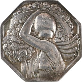 Turin (P.) : la porteuse de fleurs, grand module en argent, s.d. (1926) Paris