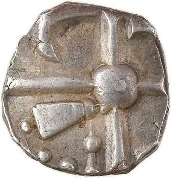 Sotiates ou Longostalètes, drachme au fleuron, série V, Ier s. av. J.-C