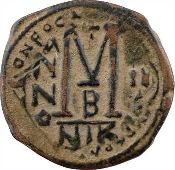Héraclius, follis refrappé sur un follis de Phocas, c.611-612, seconde officine, Nicomédie