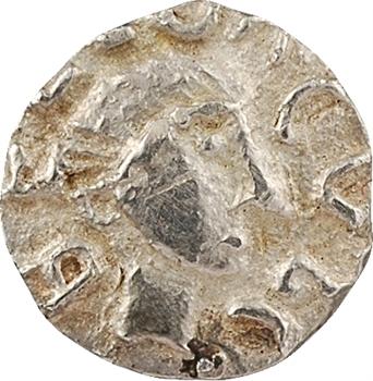 Neustrie, région parisienne, denier d'argent ou trémissis en or pâle, s.d. (c.650-675) région parisienne
