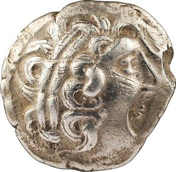 Aulerques Diablintes, statère d'argent à la situle, c. Ier s. av. J.-C.