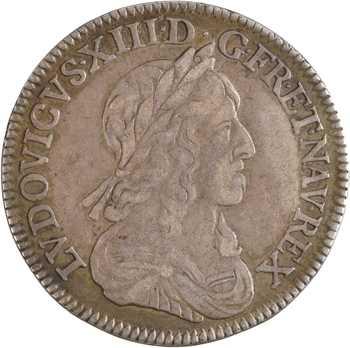 Louis XIII, quart d'écu d'argent à la mèche longue, 3e type (2e poinçon), avec baies, 1643 Lyon (3 points)