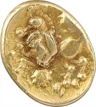 Bellovaques, statère d'or à l'astre, cheval à gauche, c.80-50 av. J.-C.
