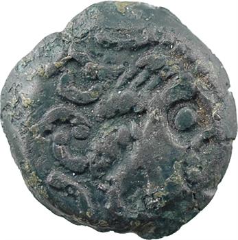 Carnutes, bronze au loup, classe II au profil luniforme, c.60-40 av.J.-C