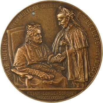 Theunissen (C.) : Emilie Hugues et sa sœur Elise Leclere, fonte, 1898