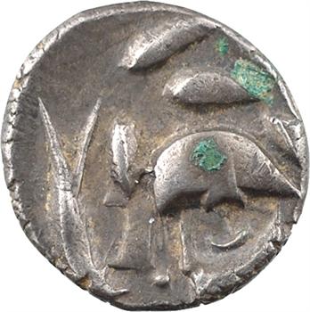 Volques Tectosages, drachme à la tête cubiste (deux haches affrontées), c.121-52 av. J.-C