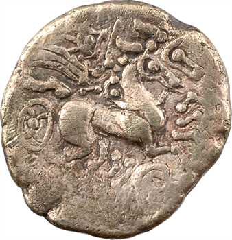 Carnutes, statère d'or au profil luniforme et joue lisse, c.IIe-Ier s. av. J.-C.