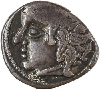 Carnutes, drachme au loup et au cheval, classe II au profil à gauche, Ier s. av. J.-C.